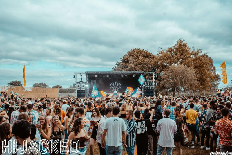 front-on shot of main stage during the day